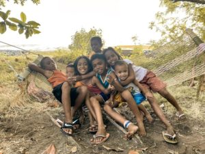 カオハガン島の子供達
